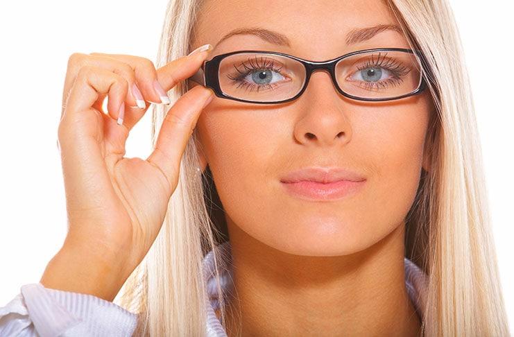 Παραμείνετε όμορφες με γυαλιά οράσεως
