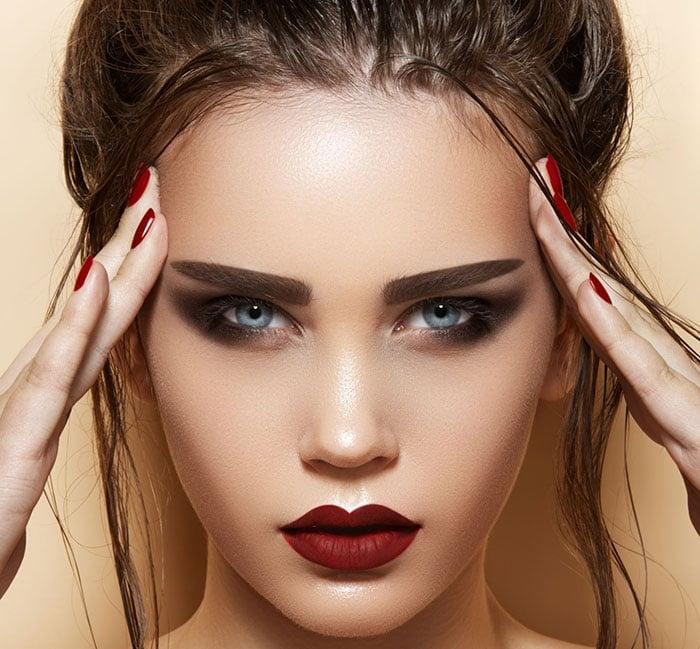 Το σωστό μακιγιάζ ανάλογα με το χρώμα μαλλιών σας (3)