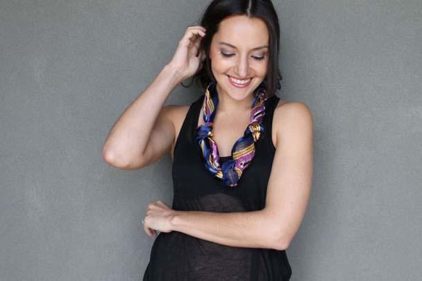 15 τρόποι να φορέσεις ένα φουλάρι - μαντήλι (17)