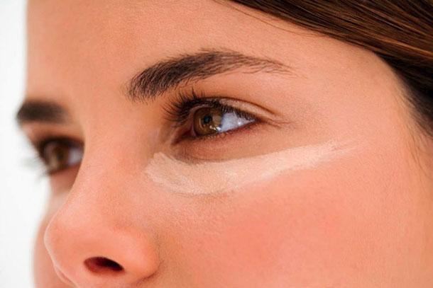 7 tips για να αντέξει περισσότερο το μακιγιάζ σας (2)