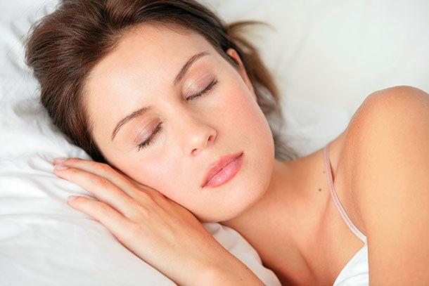 Τρόποι για να ομορφύνετε στον ύπνο σας