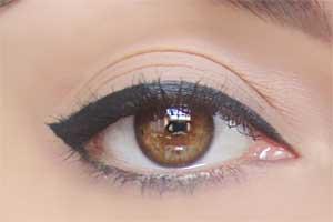 5 εκπληκτικά μακιγιάζ με 1 μόνο μολύβι ματιών (2)