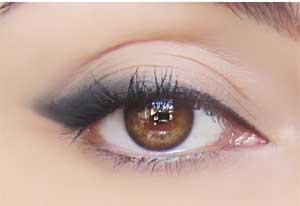 5 εκπληκτικά μακιγιάζ με 1 μόνο μολύβι ματιών (3)