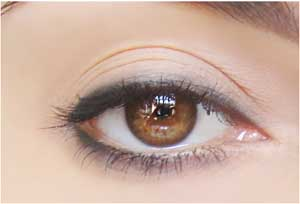 5 εκπληκτικά μακιγιάζ με 1 μόνο μολύβι ματιών (4)