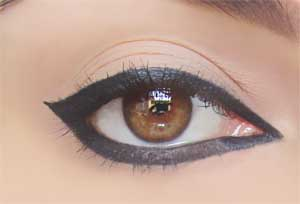 5 εκπληκτικά μακιγιάζ με 1 μόνο μολύβι ματιών (6)