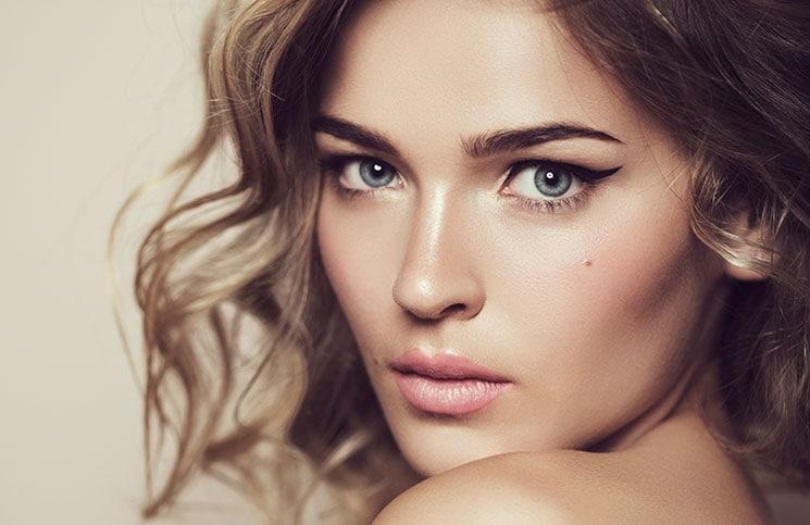 10 κακές συνήθειες ομορφιάς που μας ασχημαίνουν