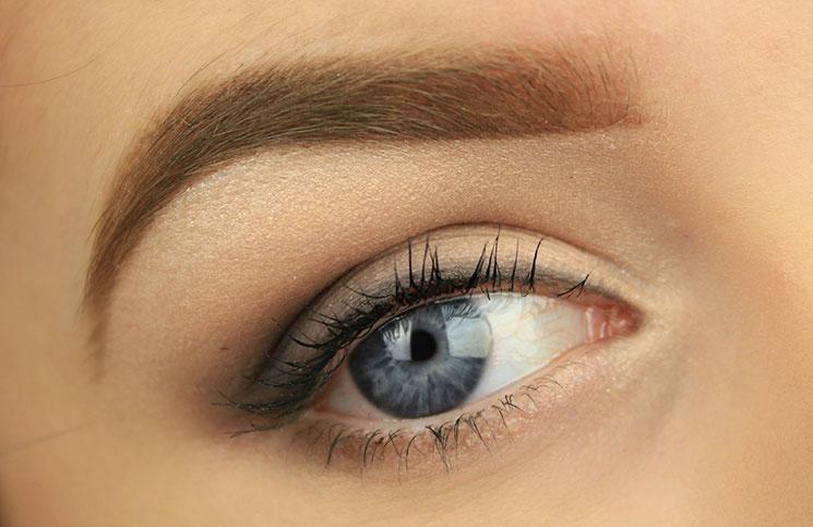 Smokey eyes για αρχάριες με ένα απλό έξυπνο τρικ