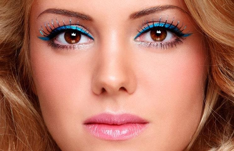 9 makeup tricks που κάνουν τα μάτια σας να δείχνουν πιο ξεκούραστα