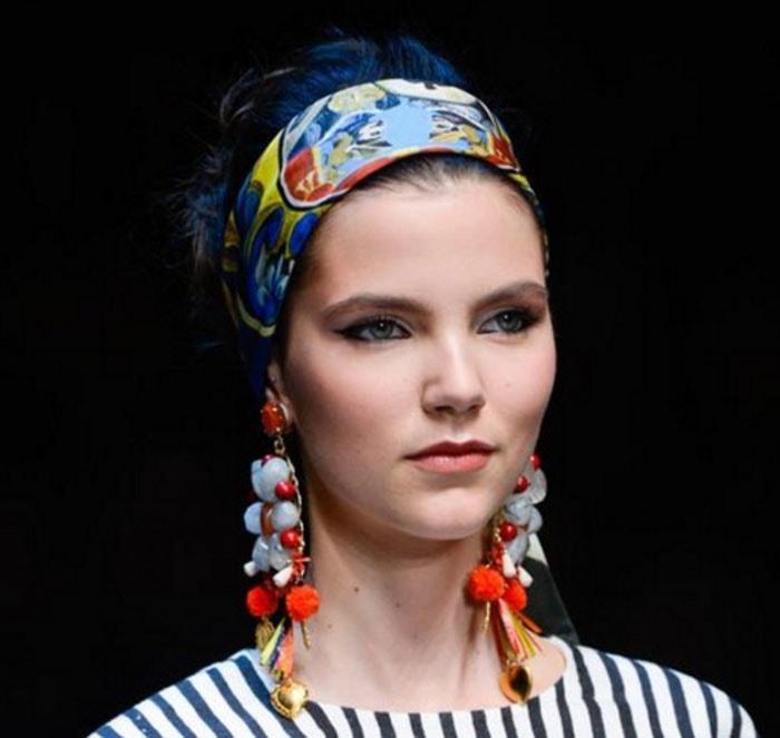 Εκπληκτικοί τρόποι για να δέσετε ένα μαντήλι στα μαλλιά (5)
