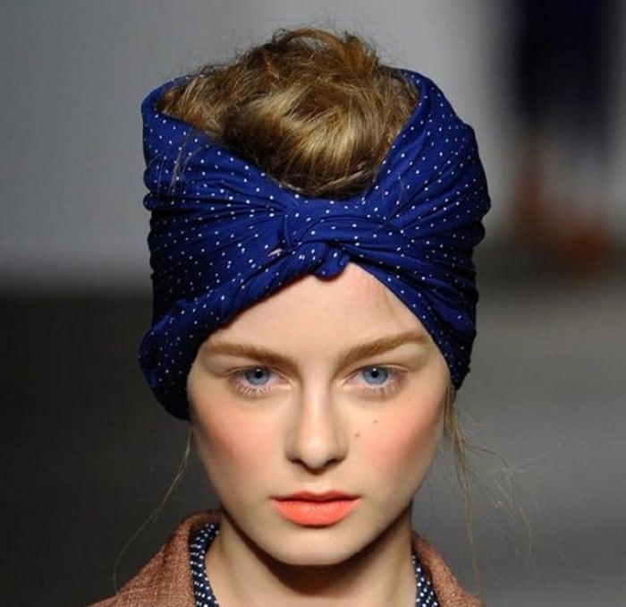 Εκπληκτικοί τρόποι για να δέσετε ένα μαντήλι στα μαλλιά (6)