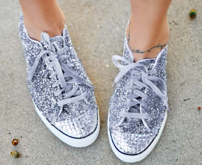 Τρόποι για να μεταμορφώσετε τα βαρετά σας παπούτσια (15)