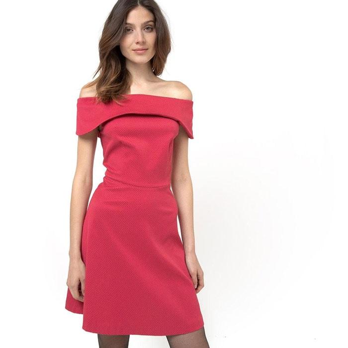 Φορέματα με έξω τους ώμους (9)