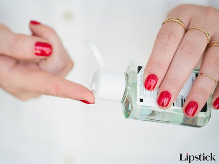 Πως να καλύψετε ένα σπυράκι όταν το concealer σας δεν «κολλάει» (3)