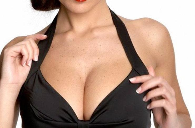 Μυστικά για να τονίσετε το στήθος σας (1)