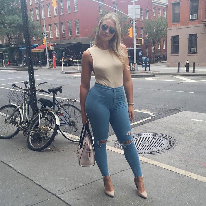 Tips για να δείχνετε τέλεια με skinny jeans αν έχετε πλούσιες καμπύλες (11)