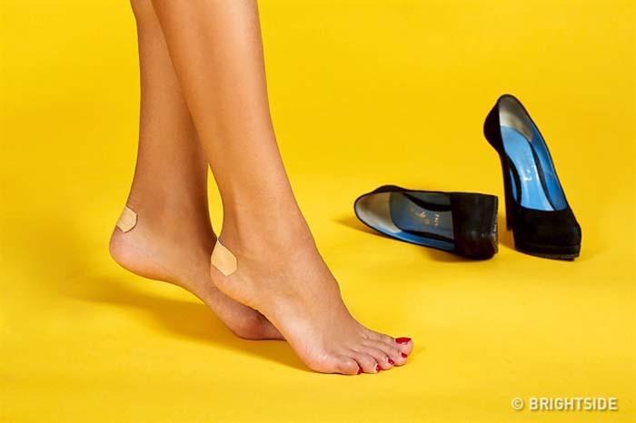 Έξυπνοι τρόποι για να μην σας χτυπάνε τα παπούτσια (2)