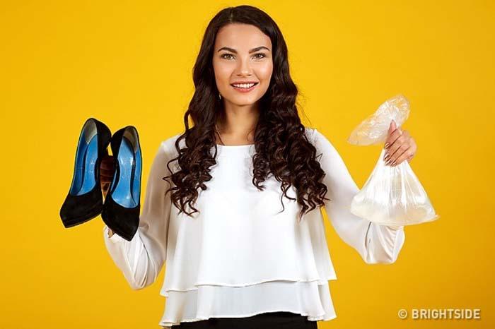 Έξυπνοι τρόποι για να μην σας χτυπάνε τα παπούτσια (7)