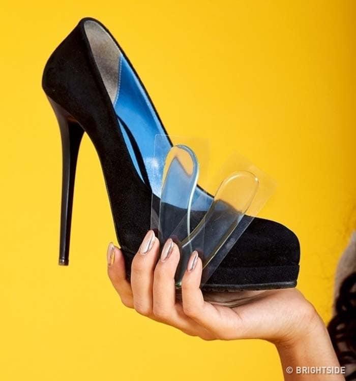Έξυπνοι τρόποι για να μην σας χτυπάνε τα παπούτσια (8)
