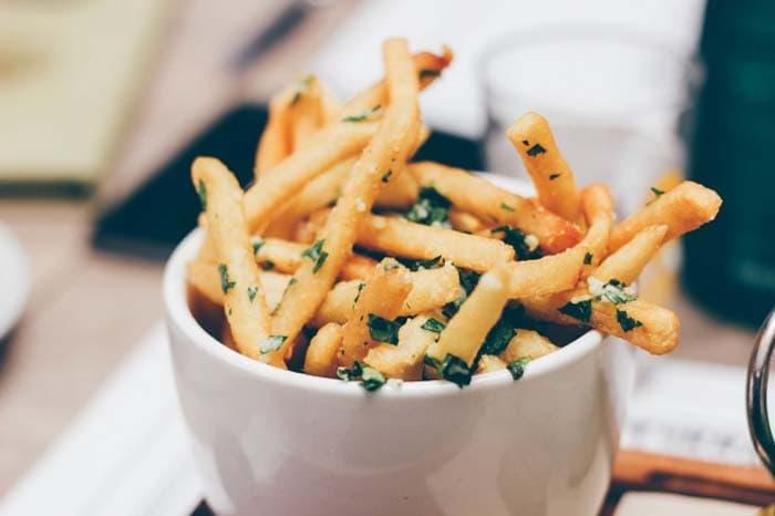 Φαγητά που πρέπει να αποφεύγετε για να έχετε επίπεδη κοιλιά (8)
