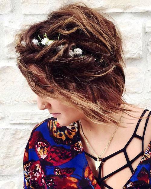 Σαγηνευτικά χτενίσματα για ίσια μαλλιά που θα σας κάνουν να ξεχωρίσετε (24)