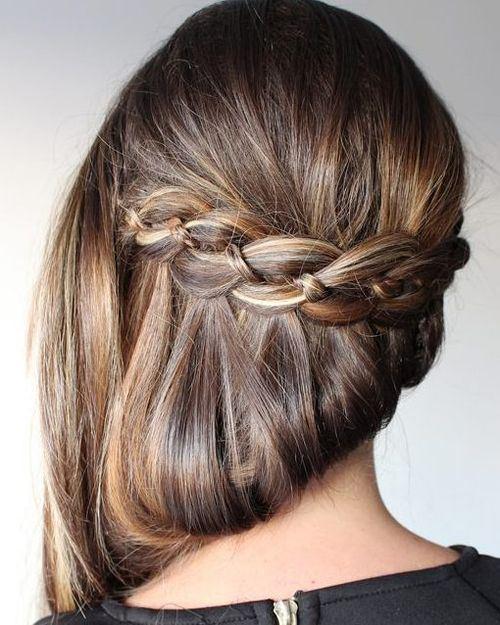 Σαγηνευτικά χτενίσματα για ίσια μαλλιά που θα σας κάνουν να ξεχωρίσετε (5)