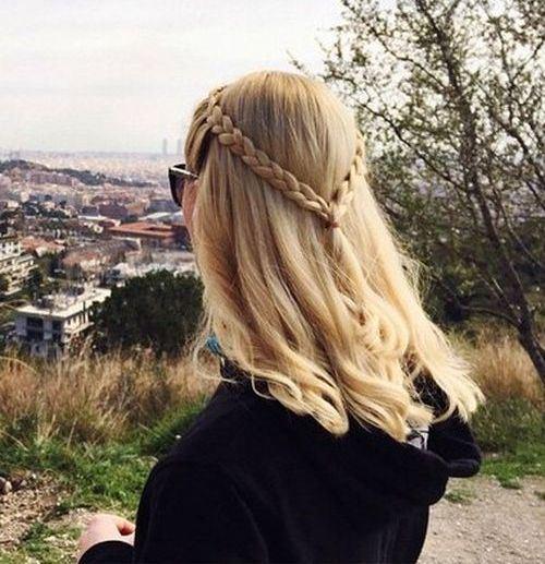 Σαγηνευτικά χτενίσματα για ίσια μαλλιά που θα σας κάνουν να ξεχωρίσετε (27)