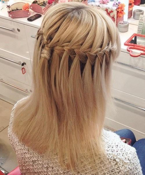 Σαγηνευτικά χτενίσματα για ίσια μαλλιά που θα σας κάνουν να ξεχωρίσετε (16)