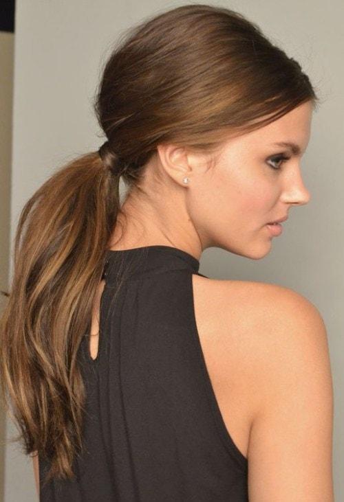 Σαγηνευτικά χτενίσματα για ίσια μαλλιά που θα σας κάνουν να ξεχωρίσετε (33)
