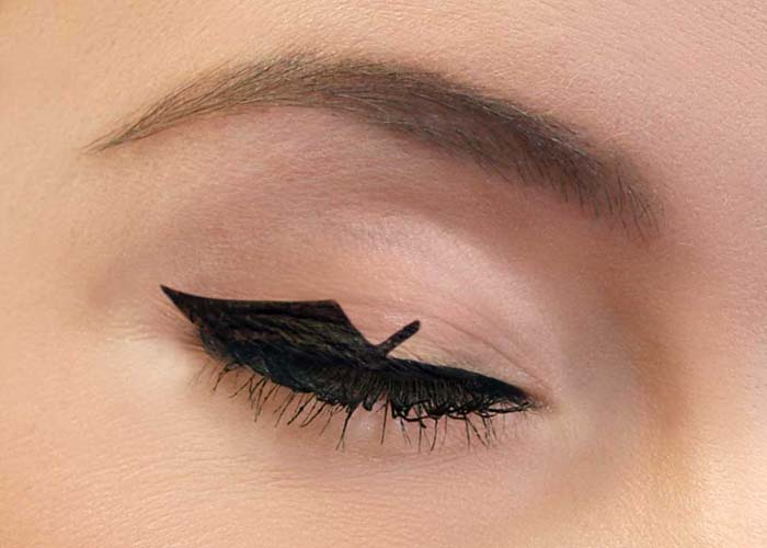 Negative space eyeliner (16)