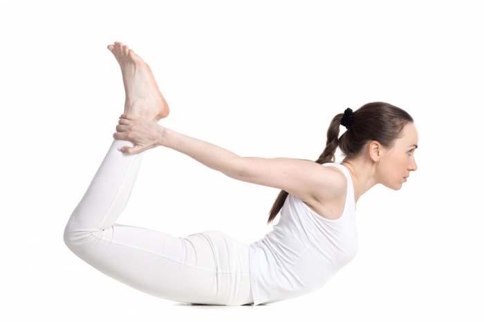 7 σούπερ αποτελεσματικές στάσεις της γιόγκα για όμορφο στήθος (5)