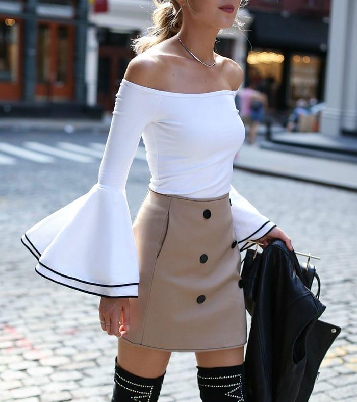 Ιδέες για να φορέσετε μανίκια καμπάνα (6)
