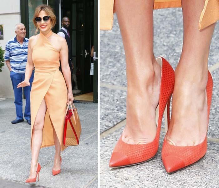 Ο λόγος που οι διάσημες φορούν μεγαλύτερα παπούτσια (5)