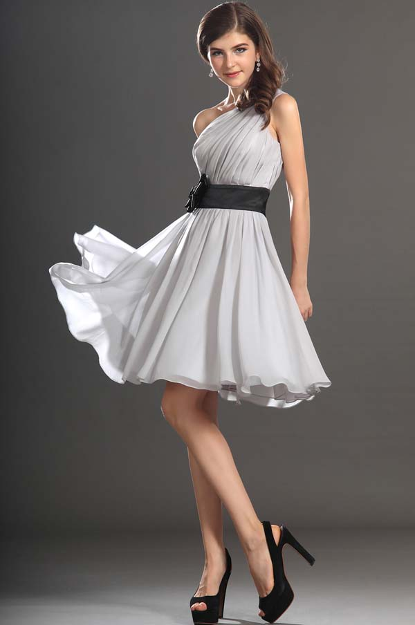 Cocktail dress: 15+1 υπέροχες προτάσεις με φορέματα για γάμο και όχι μόνο (13)