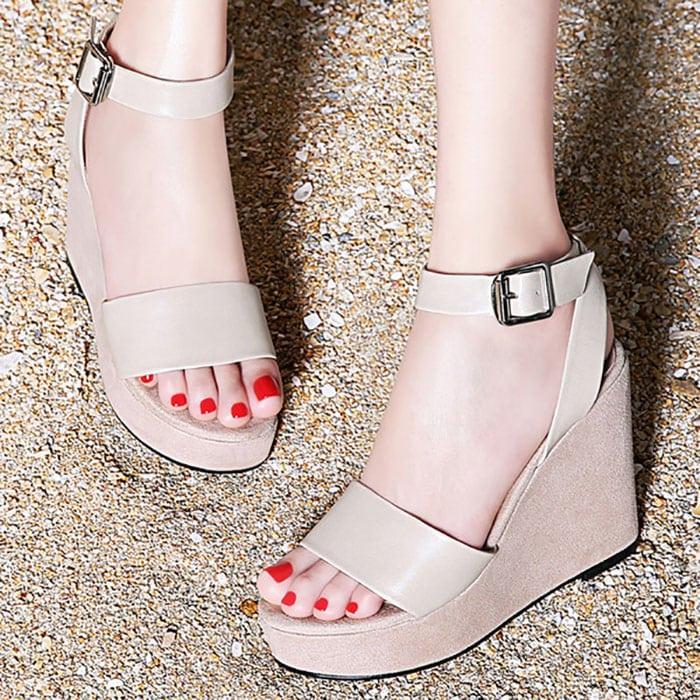 Τα καλοκαιρινά παπούτσια που ταλαιπωρούν τα πόδια σας (8)