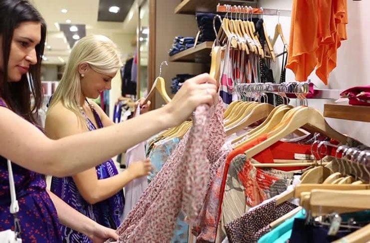 Φορέστε ρούχα που σας κολακεύουν