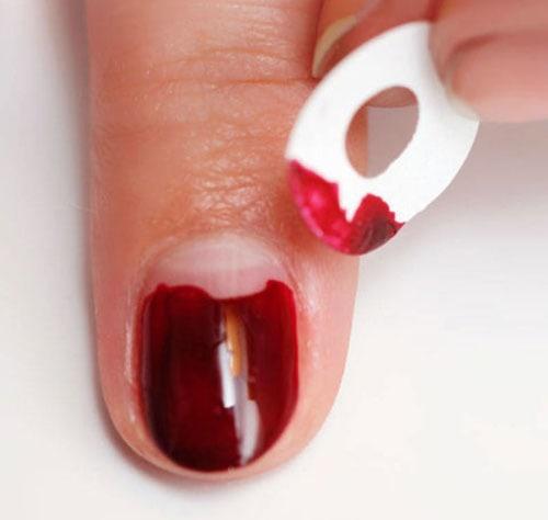 Half moon nails: Το ανάποδο γαλλικό μανικιούρ (45)