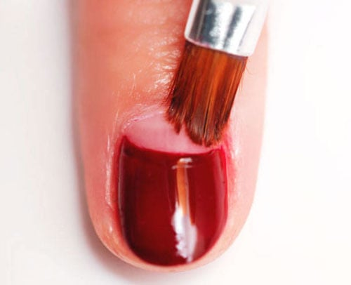 Half moon nails: Το ανάποδο γαλλικό μανικιούρ (46)