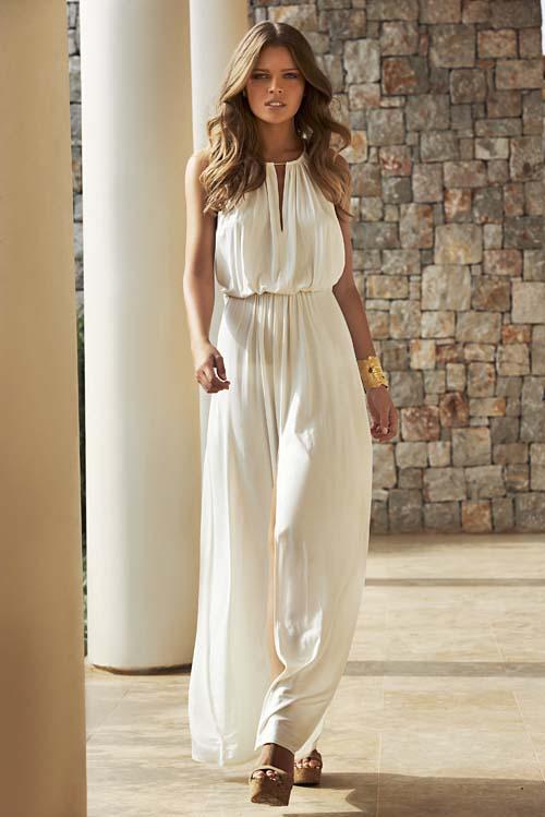 Λευκό φόρεμα  Το απόλυτο καλοκαιρινό must - Μίνι ή μάξι 80f9a96a9e7
