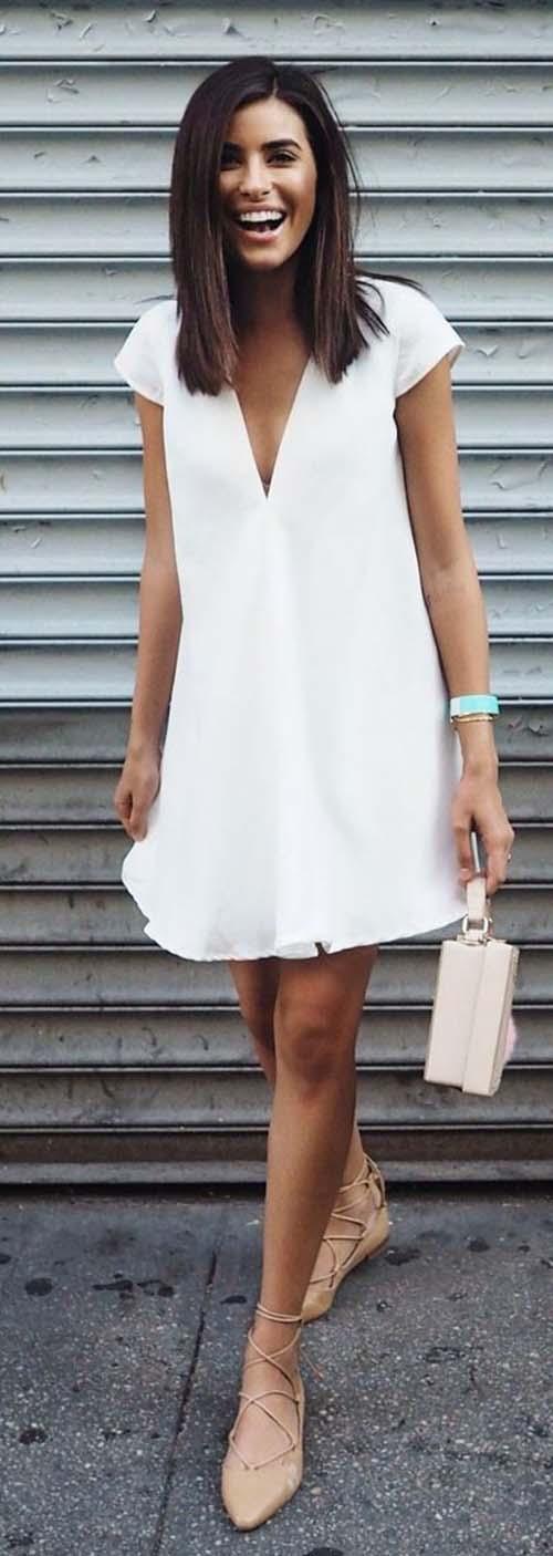 Θυμίζει κάτι από Αρχαία Ελλάδα! Φορέστε για παράδειγμα ένα υπέροχο λευκό  φόρεμα με μια ταμπά λεπτή ζώνη 5361c588df7