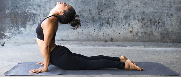 Οι καλύτερες ασκήσεις yoga για αύξηση στήθους (3)