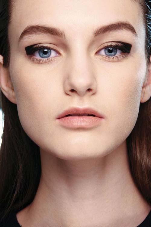Negative Space Eye Makeup (3)