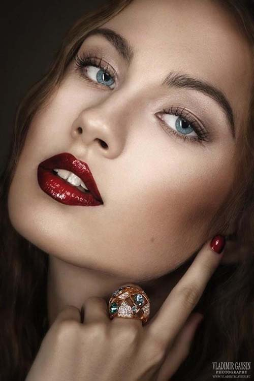 Wine red χείλη: 15+1 προτάσεις για σαγηνευτικό μακιγιάζ (8)