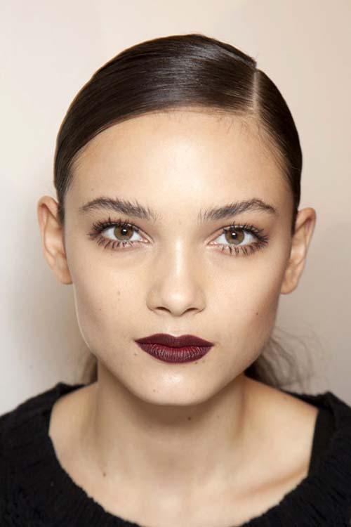 Wine red χείλη: 15+1 προτάσεις για σαγηνευτικό μακιγιάζ (4)