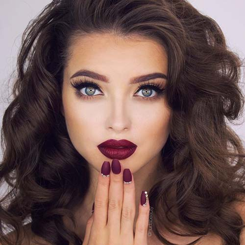 Wine red χείλη: 15+1 προτάσεις για σαγηνευτικό μακιγιάζ (12)