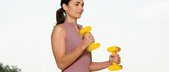 Ασκήσεις για σφιχτά και όμορφα μπράτσα χωρίς χαλάρωση (12)