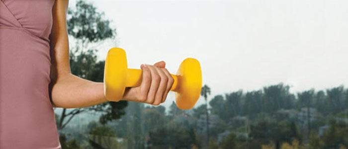 Ασκήσεις για σφιχτά και όμορφα μπράτσα χωρίς χαλάρωση (13)