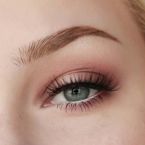 Ροζ μακιγιάζ ματιών (2)
