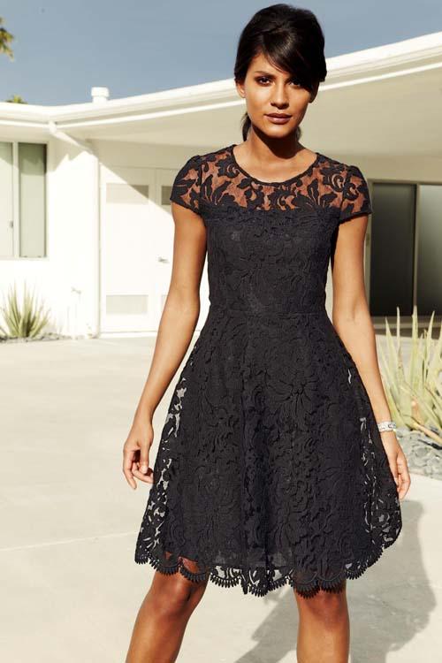 84f5803f6269 Δαντελένιο φόρεμα  Υπέροχοι συνδυασμοί για εντυπωσιακές εμφανίσεις