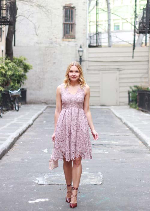 18fcc4a8c5d Δαντελένιο φόρεμα: Υπέροχοι συνδυασμοί για εντυπωσιακές εμφανίσεις