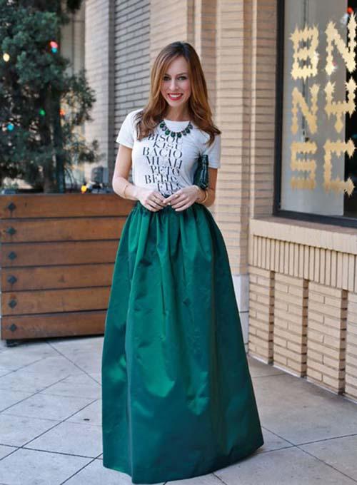 96e74e578903 Οι φούστες είναι μια ακόμη από τις άκρως θηλυκές επιλογές που μπορείτε να  κάνετε στο βραδινό ντύσιμο για το ρεβεγιόν. Επιλέξτε το ιδανικό στυλ και  μήκος ...